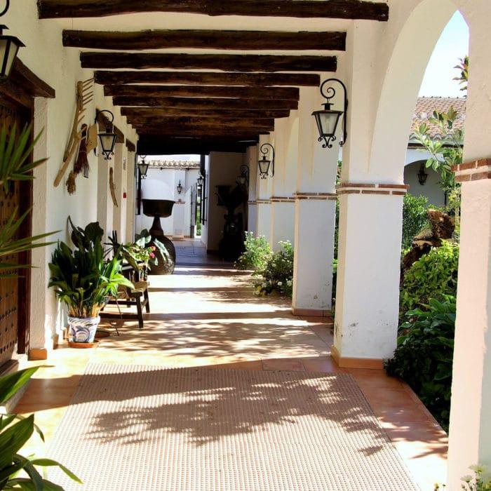 Galería del patio del hotel